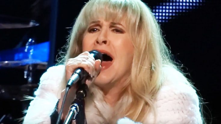 With A Tear In Her Eye, Stevie Nicks Paid Tribute To A Lost Friend With Stunning Performance Of 'Moonlight' | Society Of Rock Videos