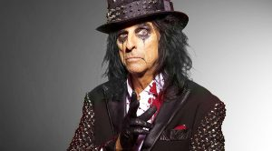 "Happy 69th Birthday Alice Cooper—Relive His Infamous ""Chicken Incident"" From 1969!"