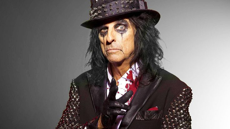 "Happy 69th Birthday Alice Cooper—Relive His Infamous ""Chicken Incident"" From 1969! 