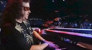 Fans Can't Stop Talking About This Billy Powell Piano Solo – When You See It, You'll Understand Why