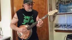 Swamp Rocker Shreds Hot Licks On Frying Pan Guitar – This Ain't Your Grandmama's Cookware!