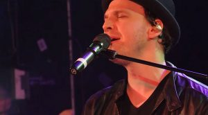 "Gavin DeGraw Strikes Serious Gold With This Soulful Cover Of Marvin Gaye's ""Let's Get It On"""