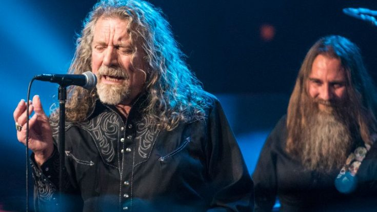 """Robert Plant Sings An Incredible Mash Up of """"Whole Lotta Love"""" 