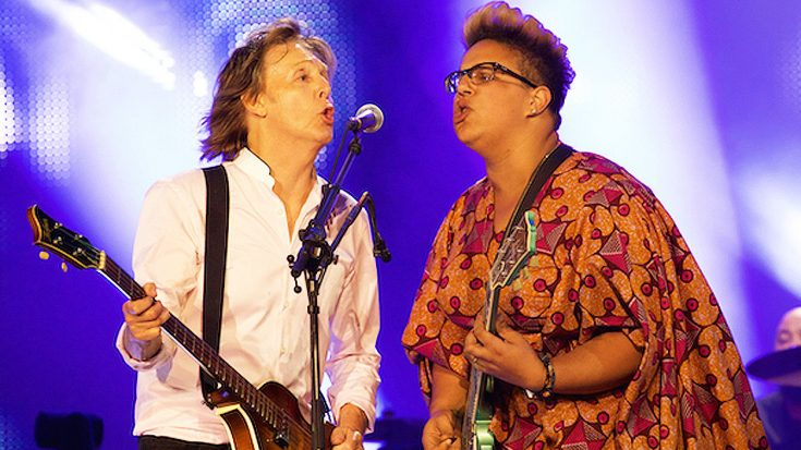 "Paul McCartney Invites Alabama Shakes' Brittany Howard On Stage For Legendary Duet Of ""Get Back""! 