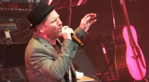 """Camera Catches Corey Taylor Mesmerizing A Crowd With His Stunning Rendition Of David Bowie's """"China Girl"""""""