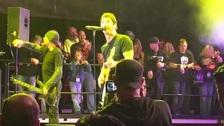 "For One Night Only, Godsmack Went Old-School With Their Epic Cover Of ""Highway To Hell""! 
