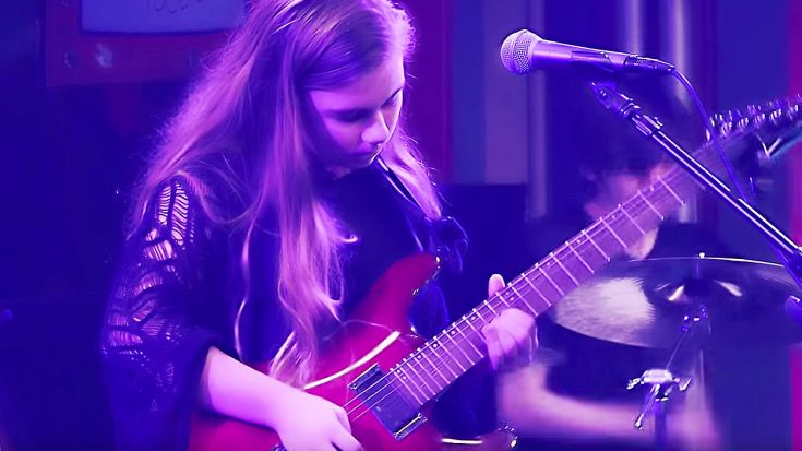 "Young Girl Is Filmed Playing ""Stairway To Heaven"", But When She Starts Soloing Is What You Gotta See! 