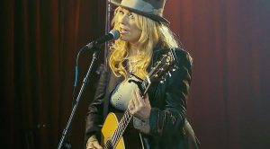 """""""Get Loud"""" With Nancy Wilson As She Debuts A Brand New Song With Her New Band, Roadcase Royale"""