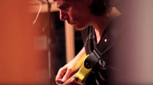 Steve Vai Is Secretly Filmed – Only This Cameraman Didn't Know What He Had Just Stumbled Upon
