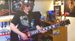 10 Year Old Dresses Up Like Slash, And Shreds Face-Melting Guitar Solo That Will Leave You In Awe!