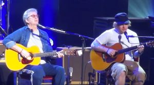 "Eric Clapton Brings His Friend Ed Sheeran On Stage For Breathtaking Duet Of ""I Will Be There""!"