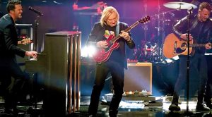 Joe Walsh Crashes Country Music's Biggest Night, Absolutely Tears It Up In Chuck Berry's Honor