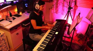 """Young Pianist Turns John Lennon's """"Imagine"""" Into A Piano Written Masterpiece!"""