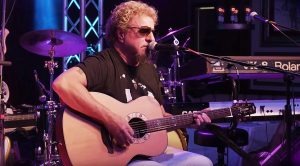 "Sammy Hagar Debuts New Acoustic Song ""No Worries"" And It Is Too Good For Words!"