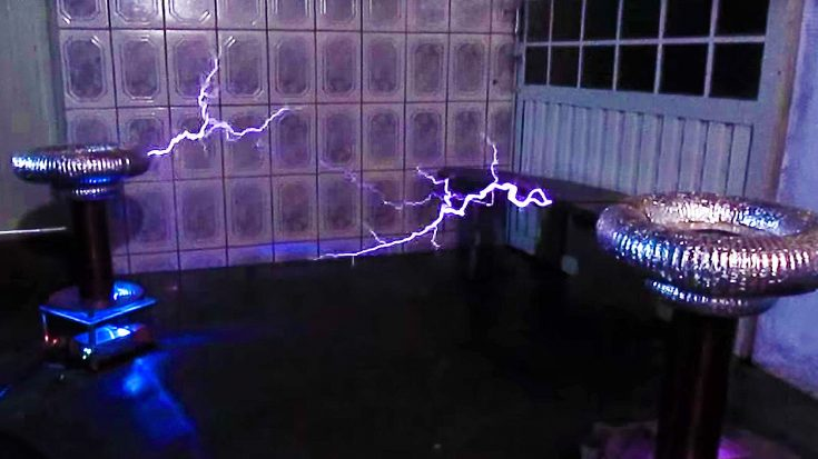 You'll Be In Awe When You Hear This Electrifying 'Back In Black' Cover Played With Tesla Coils! | Society Of Rock Videos
