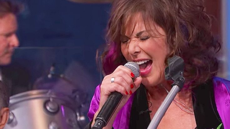 Ann Wilson Covers This Soundgarden Classic, And We're Convinced: There's Nothing She Can't Sing