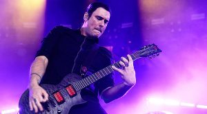 "Breaking Benjamin Do Aerosmith Proud With Their Epic Cover Of ""Dream On""!"