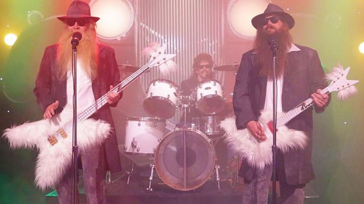 "Chris Stapleton And Kevin Bacon Bring Laughs In Wildly Funny 'First Draft' Of ZZ Top's ""Legs"" 