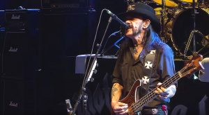 "Just 6 Months Before His Passing, Lemmy Kilmister Played ""Ace Of Spades"" And Stole The Damn Show!"