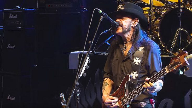 "Just 6 Months Before His Passing, Lemmy Kilmister Played ""Ace Of Spades"" And Stole The Damn Show! 
