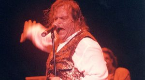 """Love Reigns Over All In Meat Loaf's Enchanting """"Two Outta Three Ain't Bad"""" Performance"""