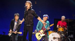 """In 2013, The Rolling Stones Rolled Through The UK Playing """"Brown Sugar"""" And The Crowd Lost It!"""