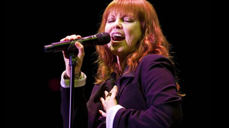 """Pat Benatar Is Radiance Personified As She Goes Unplugged For Epic """"Heartbreaker"""" Medley   Society Of Rock Videos"""