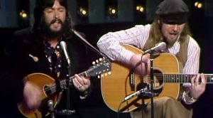 "Seals And Crofts Serve Up A Serious Case Of The Warm And Fuzzies In This Performance Of ""Summer Breeze"""