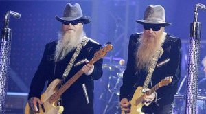 "ZZ Top Crash VH1 And Bring The House Down With ""Gimme All Your Lovin'"" Performance"