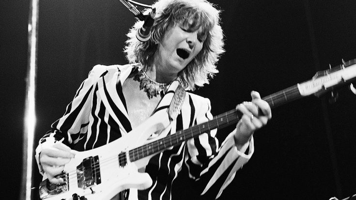 Chris Squire's Isolated Bass Track On Yes' 'Roundabout' Surfaces, And It's Absolutley Hypnotizing! | Society Of Rock Videos