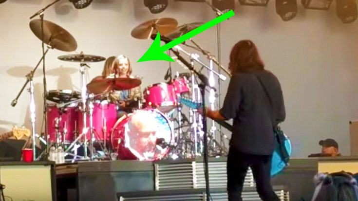 Proud Papa Dave Grohl Invites 8-Year Old Daughter On Stage To Jam This Queen Classic On Drums! | Society Of Rock Videos