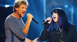 "Ann Wilson and Kenny Loggins Revisit ""Footloose"" With This Dreamy, Live Rendition of ""Almost Paradise""!"