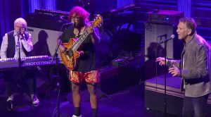 Kenny Loggins & Michael McDonald Join Thundercat For Groovy, Soulful Jam On The Tonight Show!