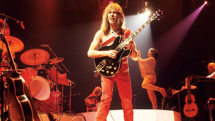 After All These Years, Steve Howe's Live Guitar Solo Is Sure To Put All Other Guitarists To Shame | Society Of Rock Videos