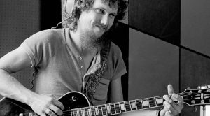 For Gary Rossington, Nothing Sums Up Steve Gaines' Legacy Better Than This 'Street Survivors' Classic