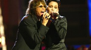 "15 Years Ago: Steven Tyler And P!nk Find Joy In ""Misery"" For An Absolutely Unforgettable Duet"