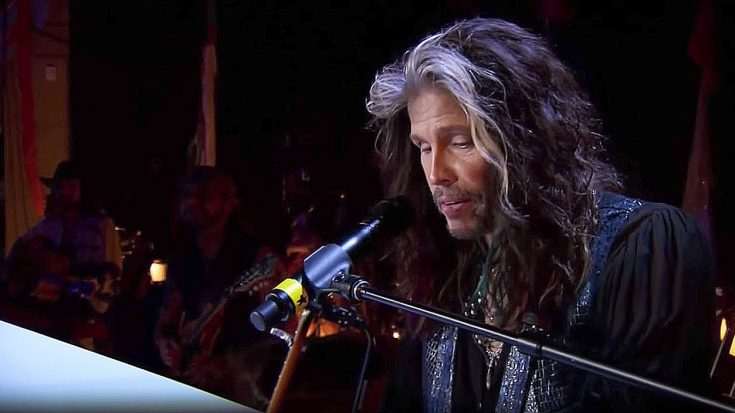 "Steven Tyler Puts A Laid Back Twist To ""Dream On"" And It's Absolutely Perfect 