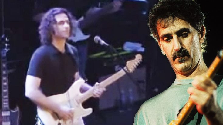 "Dweezil Zappa Honors His Father Frank Zappa With Tribute Performance Of ""Black Napkins"" 