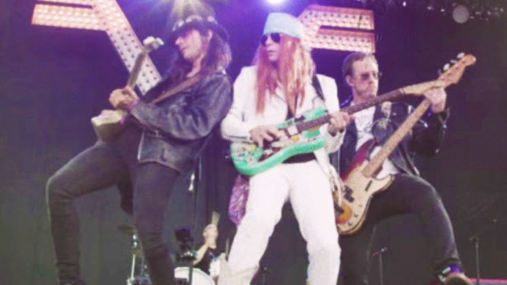 Weezer Hilariously Impersonate Guns N' Roses In New Music Video, & It's Too Funny For Words!   Society Of Rock Videos