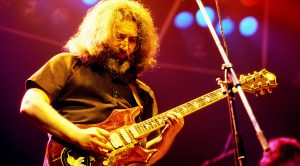 1980: Jerry Garcia & The Grateful Dead Rock New York With This Iconic Performance of 'Franklin's Tower'
