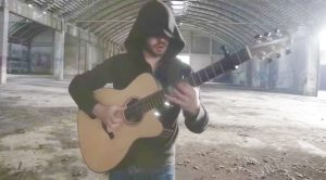 Man Plays AC/DC's 'Thunderstruck' Entirely On One Guitar, And It's Freaking Badass!