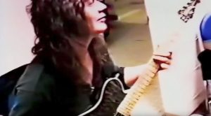 A Clip Of Eddie Van Halen Playing Ritchie Blackmore Riffs Surfaces – Yeah, You Need To Watch This ASAP