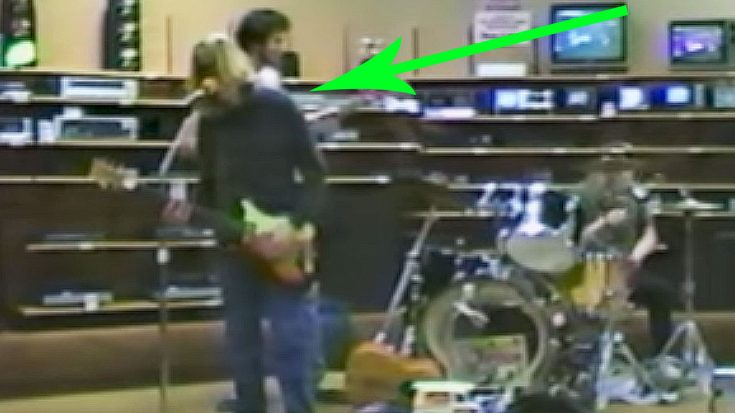 Rare Footage Of Nirvana Playing In A RadioShack In 1988 Has Just Surfaced And It's Golden | Society Of Rock Videos