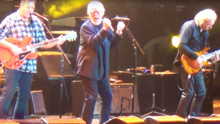 "Surprise! Bob Seger Joins Eagles Onstage At Classic West, Takes Fans To Church With ""Heartache Tonight"" 