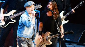 David Lee Roth Surprises Dave Grohl On His Birthday, & Joins Foo Fighters For Epic 'Panama' Jam!