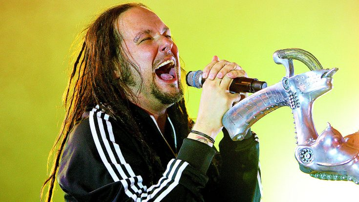 Korn Pay Homage To Queen & Freddie Mercury With Anthemic Live Cover of 'We Will Rock You'! | Society Of Rock Videos