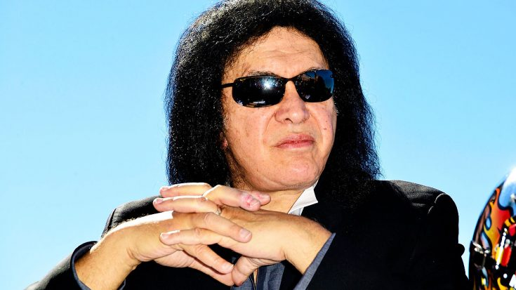 Gene Simmons Became Frustrated With Fans On Twitter After This Internet Joke About Him Went Viral | Society Of Rock Videos