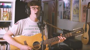"""This One Guy Manages To Capture Pink Floyd's Very Essence With His Stellar """"See Emily Play"""" Cover"""