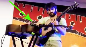 Musician Plays 'Thriller' On Two Guitars Simultaneously, & The Crowd Is Left In Complete Awe!