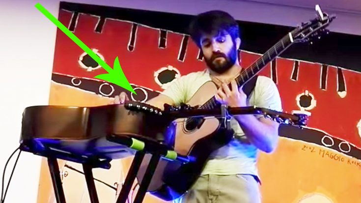 Musician Plays 'Thriller' On Two Guitars Simultaneously, & The Crowd Is Left In Complete Awe!   Society Of Rock Videos